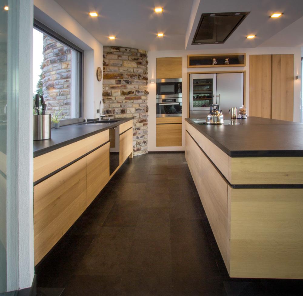 Kueche-holz-individuell-tischlertekten, einbauküche, kuechenzeile, holz, kreativ, modern, schlicht, kochinsel, schreiner, tischler, westerwald, ransbach-baumbach