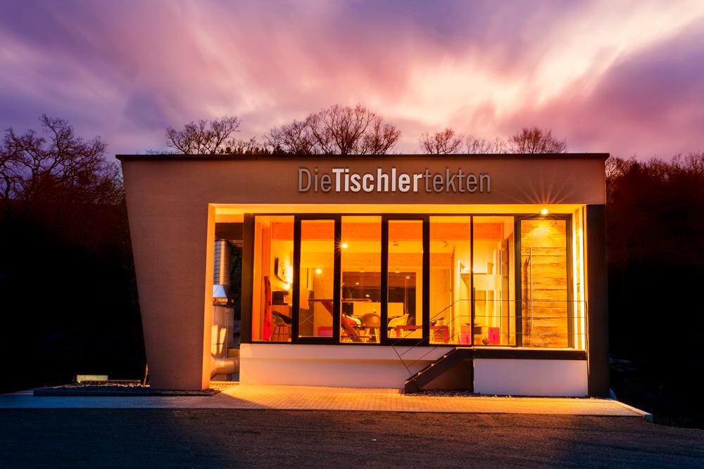 empfangsraum_die-tischlertekten_schreinerei_kausen_westerwald_tischler
