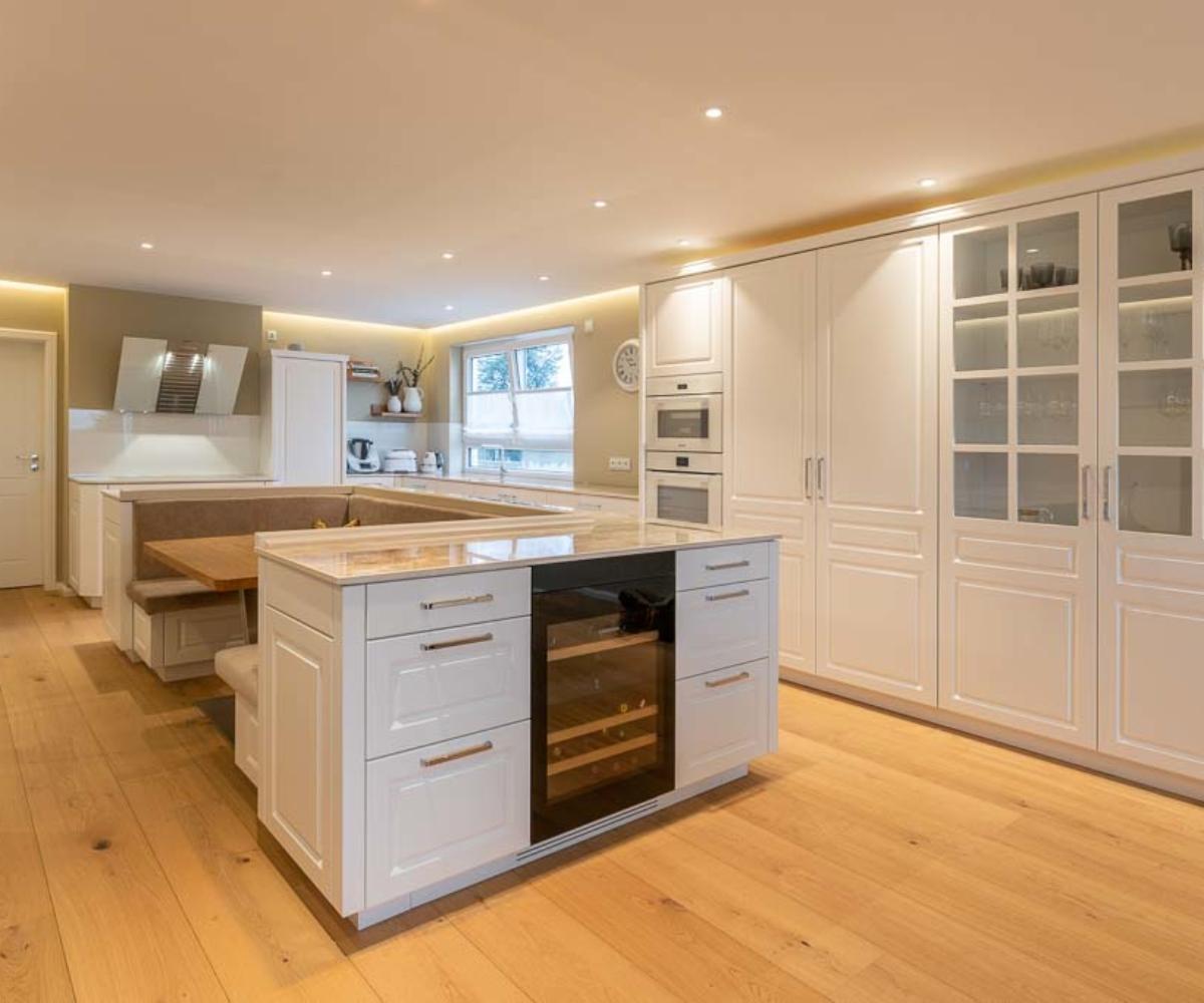 Küche von Schreinerei individuell gefertigt. Die Tischlertekten.