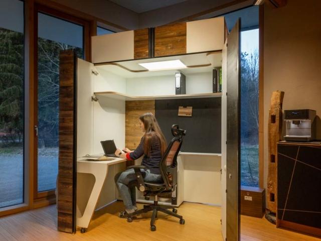 Das Büro im Homeoffice Schrank Open-It: alles ist direkt griffbereit, einfach aufdrehen.
